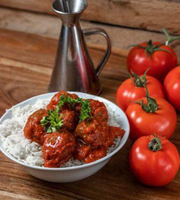 קציצות בקר ברוטב עגבניות